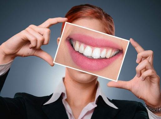 CBD-haltige Mundspülungen gegen Zahnerkrankungen
